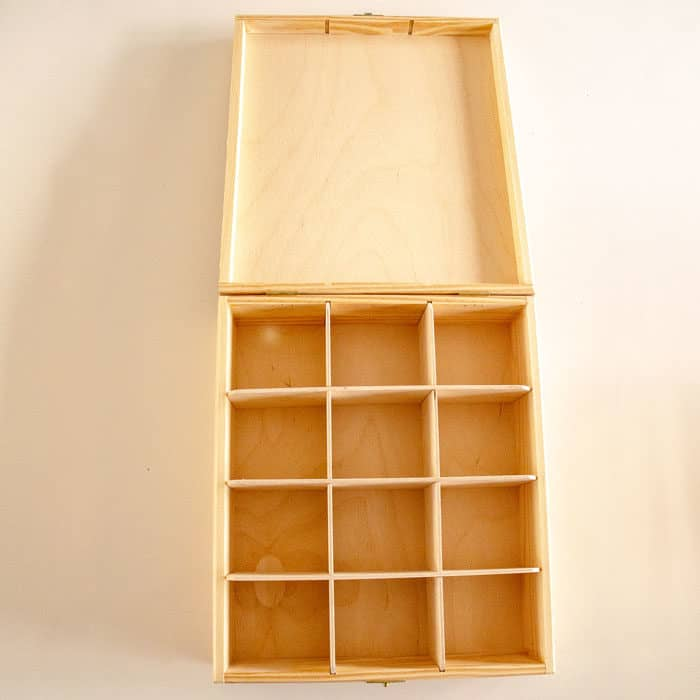 Baak Detailhandel Thee Kistje Hout 25x30cm 12 Vakken Geopend